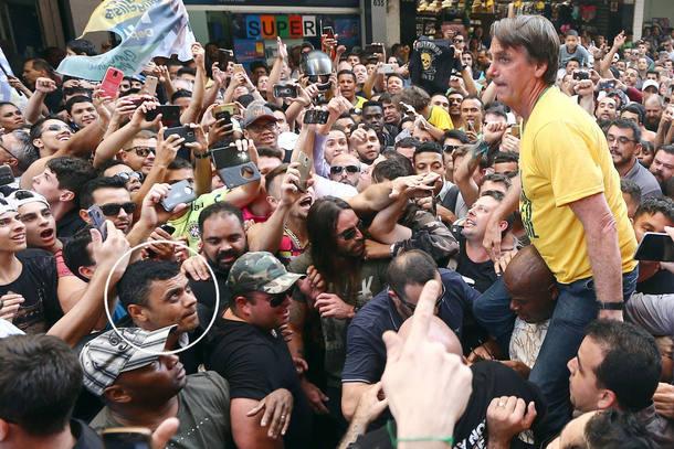 Agressor de Bolsonaro vira réu