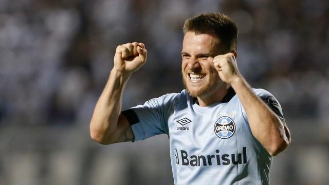 Vídeo: Grêmio vence o Ponte Preta e assume vice-liderança da Série A
