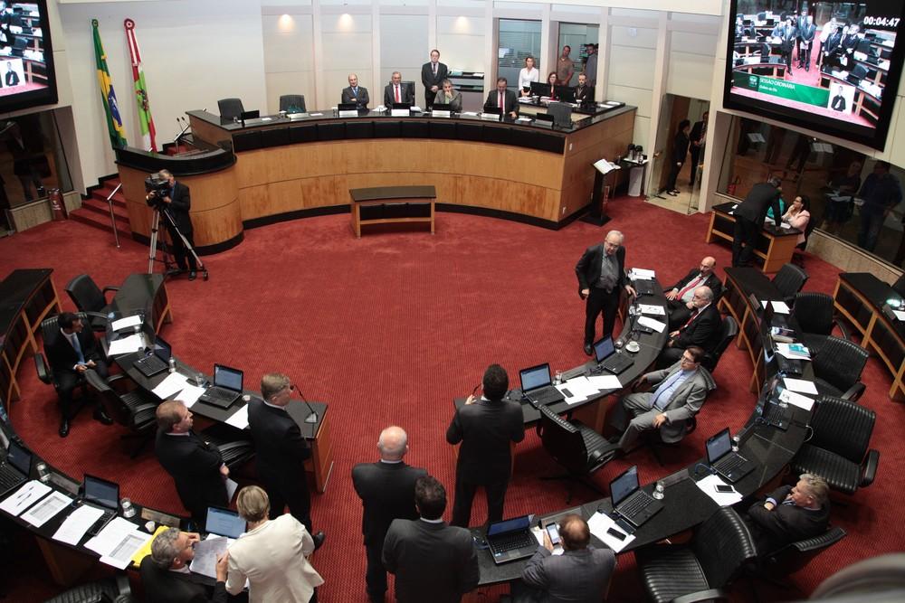Alesc aprova orçamento de R$ 26,4 bilhões para SC em 2018