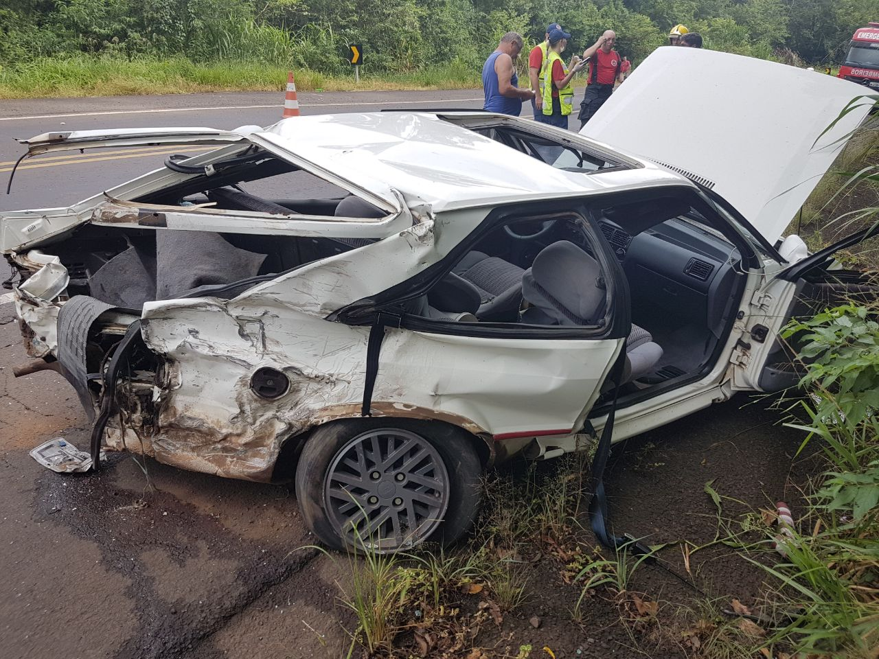 Acidente entre carro e carreta deixa uma pessoa morta na BR-158