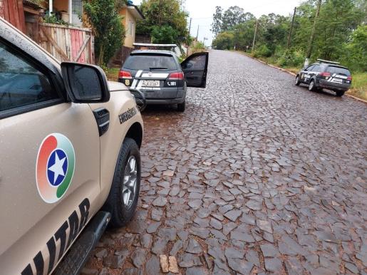 Ação conjunta da polícia apreende drogas e prende duas pessoas por tráfico na comarca de Descanso