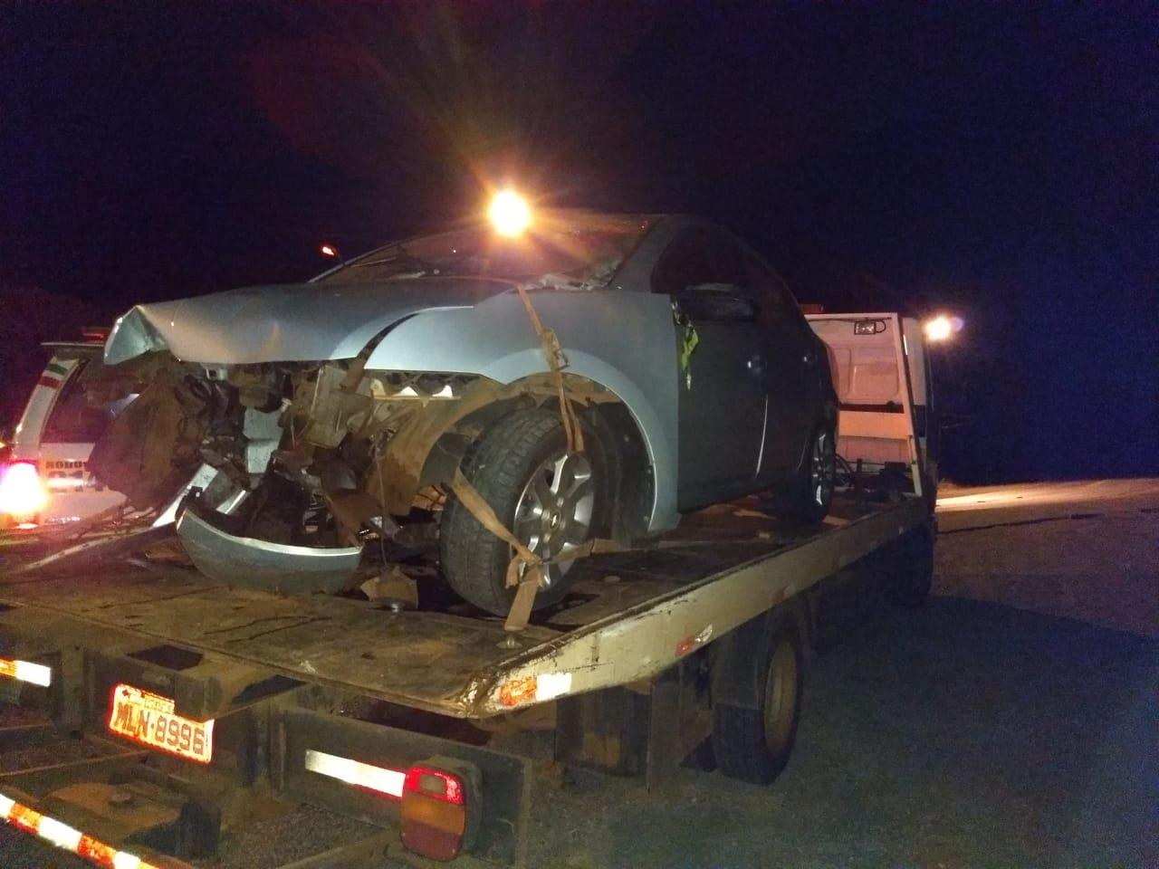 Motorista morre ao colidir automóvel contra cabeceira de ponte
