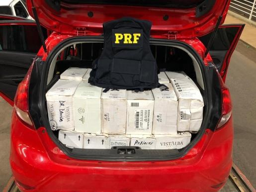 PRF apreende 80 caixas de vinho contrabandeados em Guaraciaba