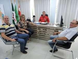 Barp pede recursos para município em conversa com deputado estadual