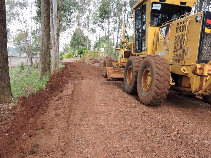 Secretaria de Obras intensifica trabalhos nas estradas do interior