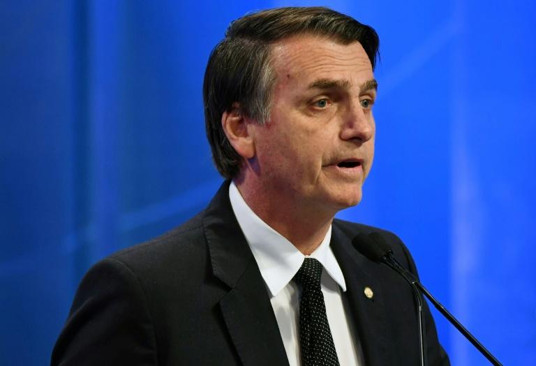 Bolsonaro abre 14 pontos de vantagens em nova pesquisa