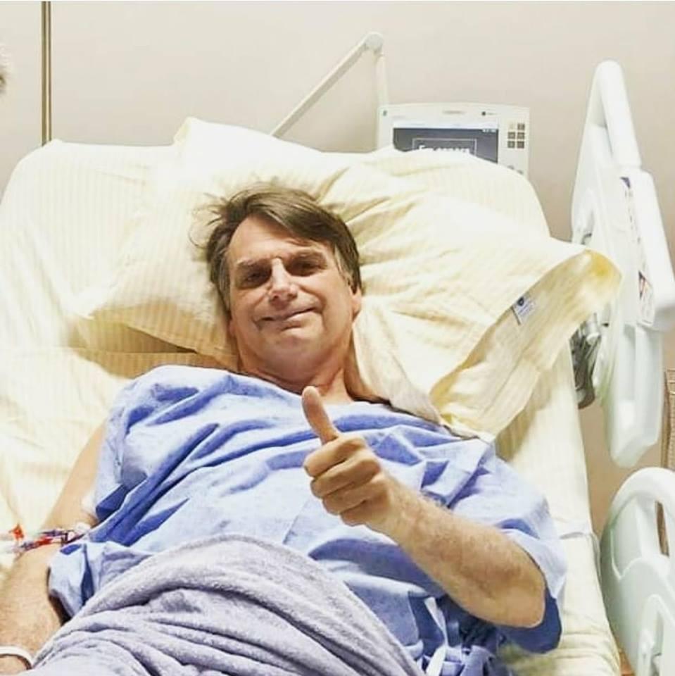 Bolsonaro evolui bem após cirurgia no intestino, diz boletim médico