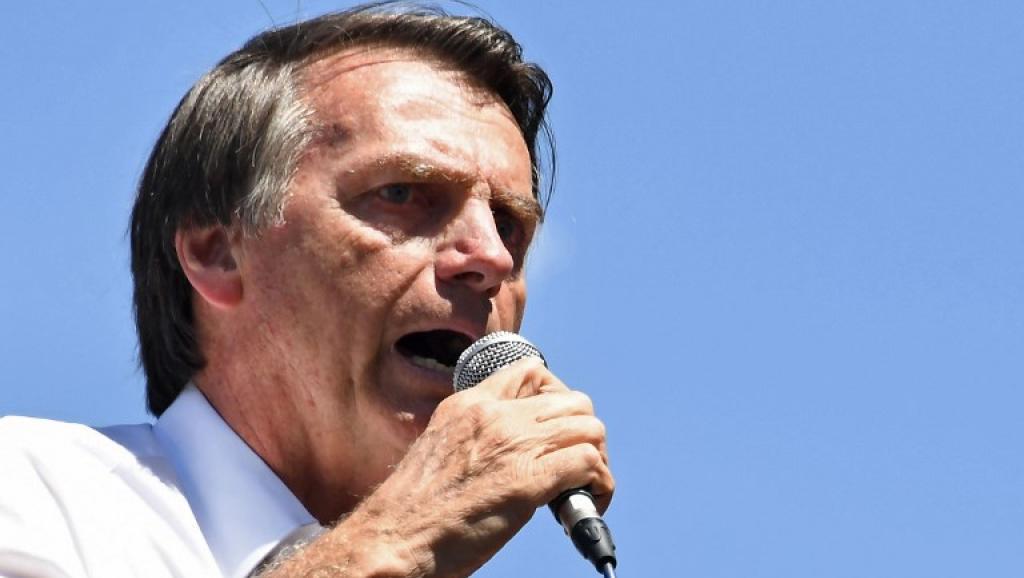 Bolsonaro lidera intenções de voto e também é o mais rejeitado entre os candidatos