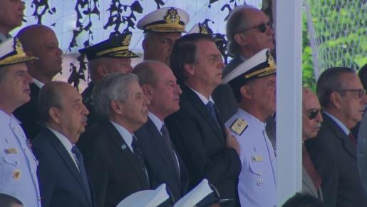 Bolsonaro pede a militares um sacrifício pela previdência