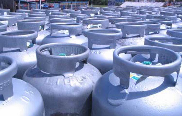 Petrobras anuncia queda de 5% no preço do botijão de gás