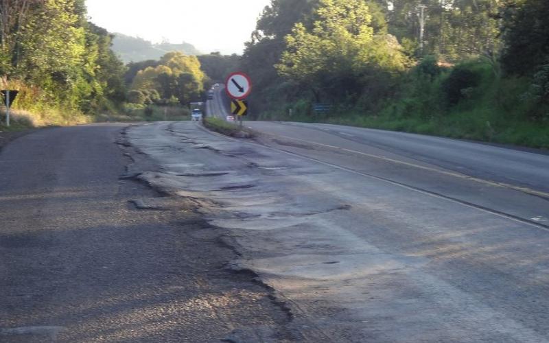 Trechos mais perigosos em rodovias do Oeste estão com obras atrasadas