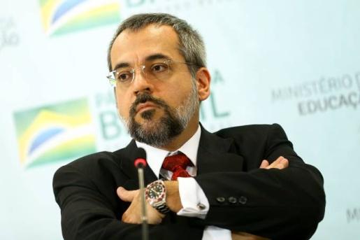 Weintraub anuncia saída do Ministério da Educação