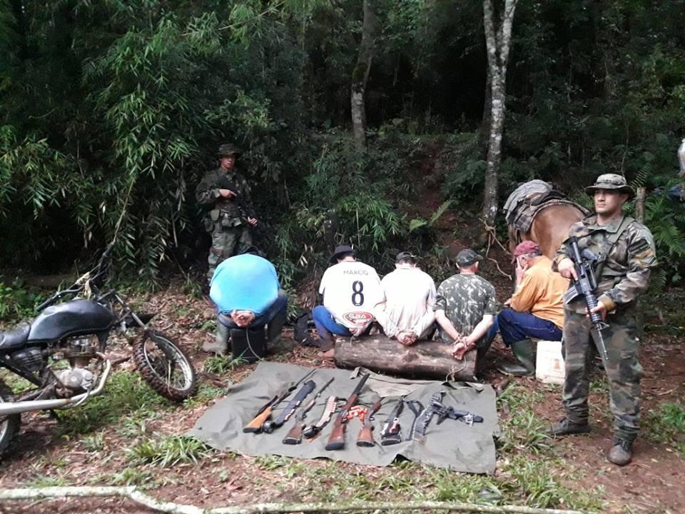 Brasileiros são flagrados com armas e munições em reserva ambiental na Argentina
