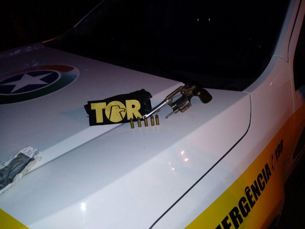 Polícia apreende armas, drogas e mercadorias de contrabando durante operação em rodovias estaduais