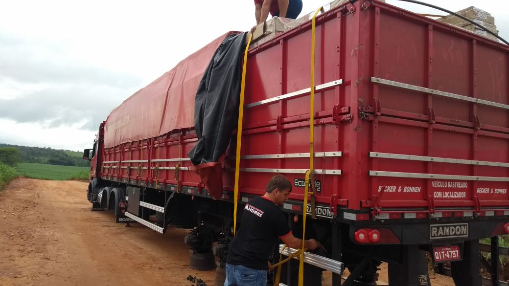 Caminhoneiro de Iporã do Oeste é assaltado em Goiás