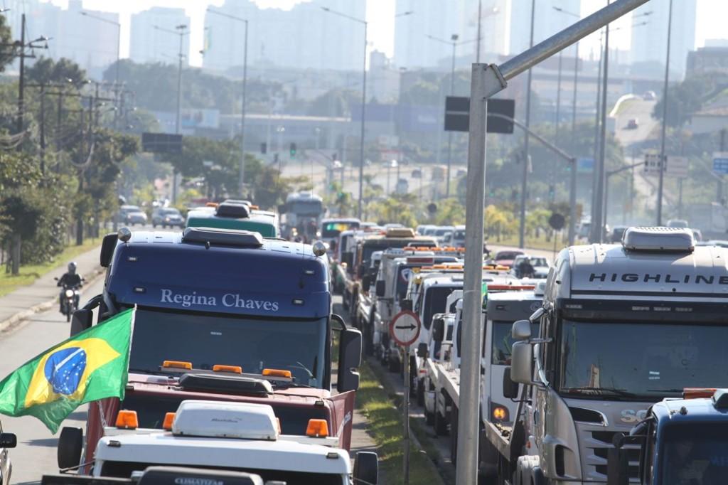 Caminhoneiros ameaçam greve ainda pior se governo alterar tabela de frete