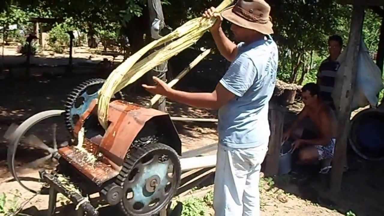Agricultor tem mão esmagada em prensa de cana