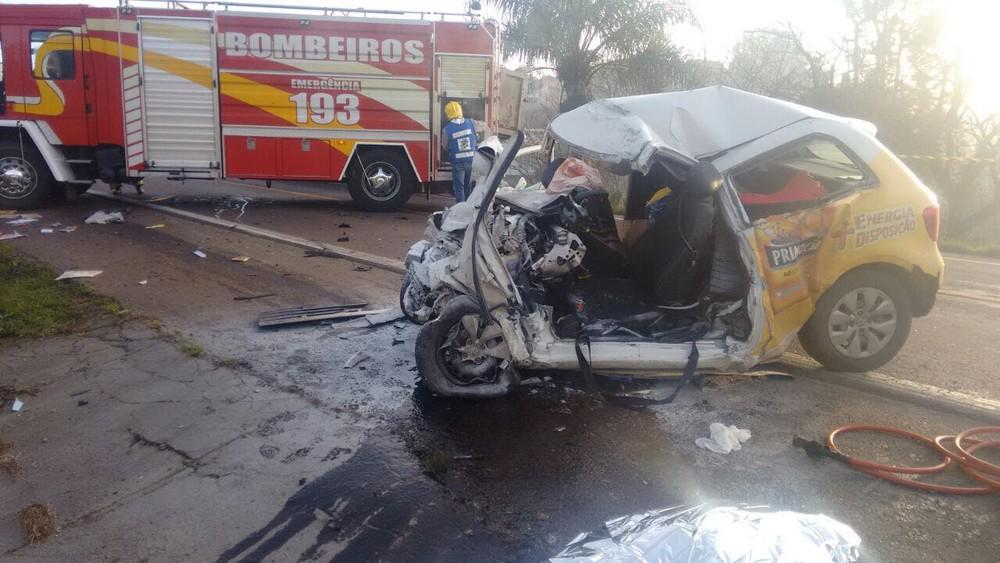 Homem morre após colisão contra caminhão na BR-282