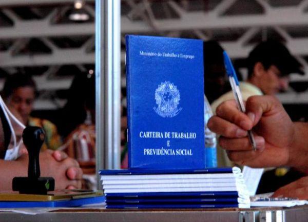 Mais de 150 vagas de trabalho podem ser encontradas no Sine em SMOeste