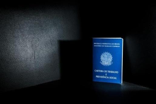 Caixa divulga calendário de saque emergencial de R$ 1.045 do FGTS