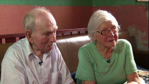 Homem completa 104 anos de vida e 79 de casado