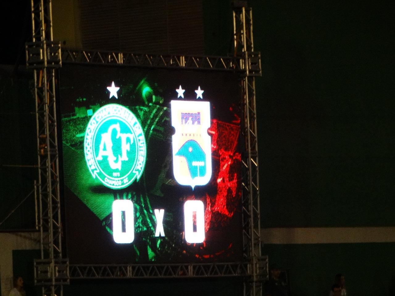 Chapecoense empata com o Paraná na Arena Condá