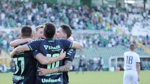 Chapecoense vence o Figueirense na Semifinal do Catarinense