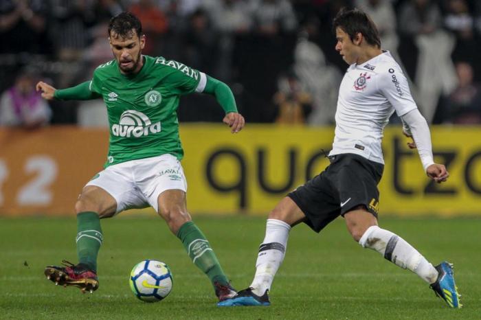 Em aberto: decisão entre Chape e Corinthians fica para a Arena Condá