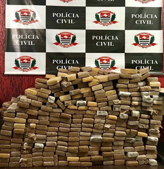 Motorista de São João do Oeste diz que não tinha conhecimento sobre drogas apreendidas em caminhão