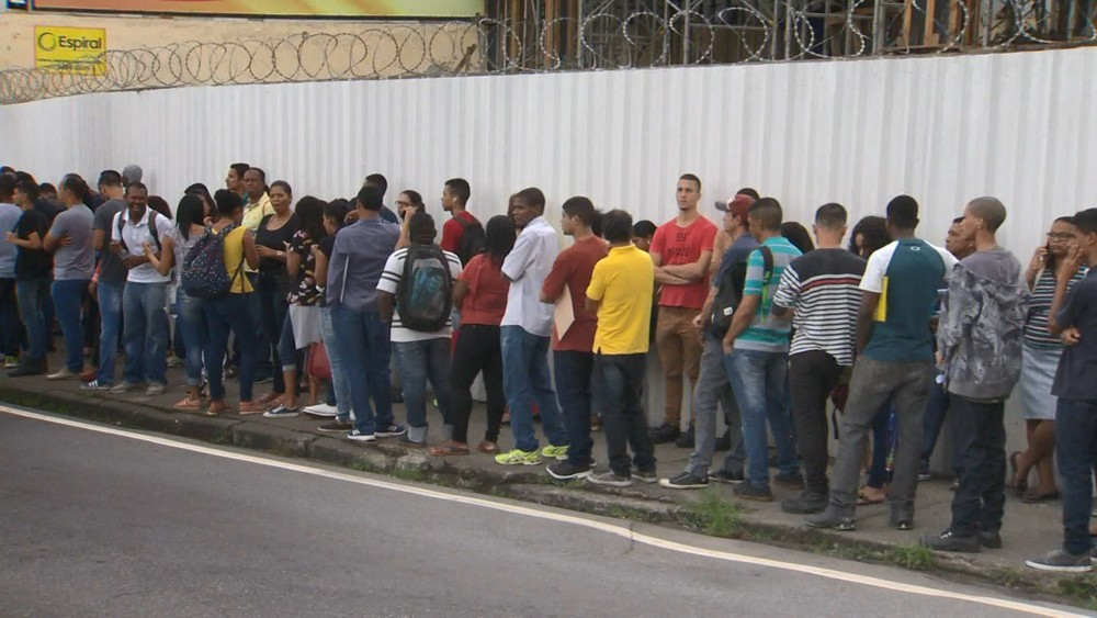 Desemprego atinge a menor taxa do ano, diz IBGE