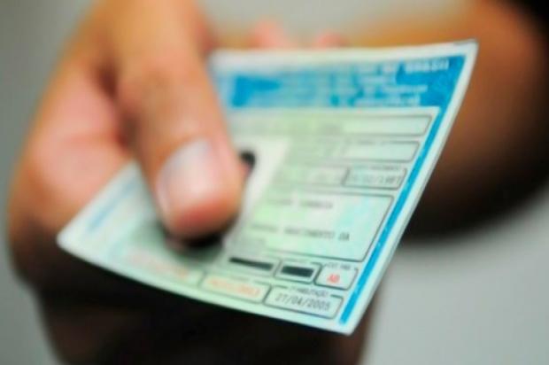 Lei que obriga Detran-SC a suspender CNH no ano das multas gera polêmica