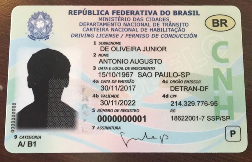 Carteira Nacional de Habilitação vai virar cartão com chip até 2019