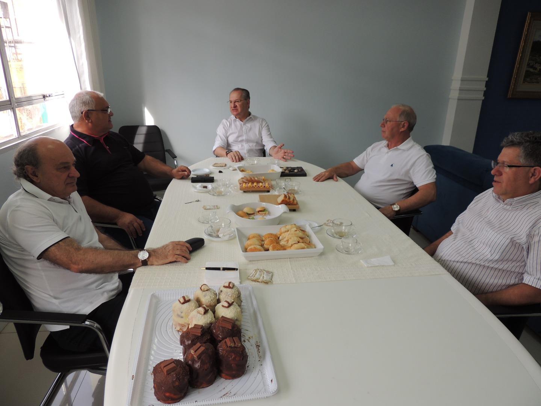 Conselho dos ex-Prefeitos  realiza última reunião do ano