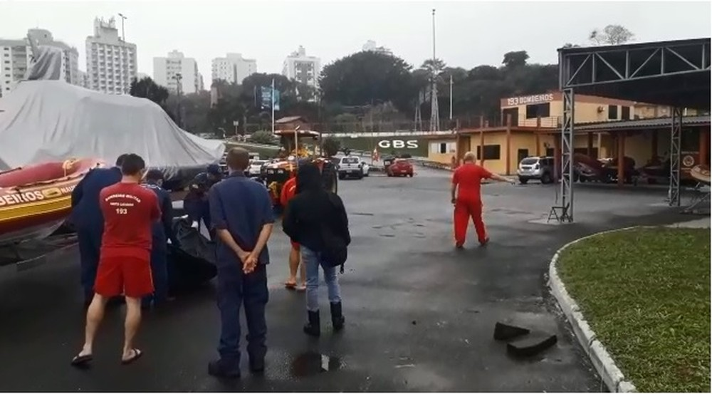 Corpo é encontrado no mar em Florianópolis
