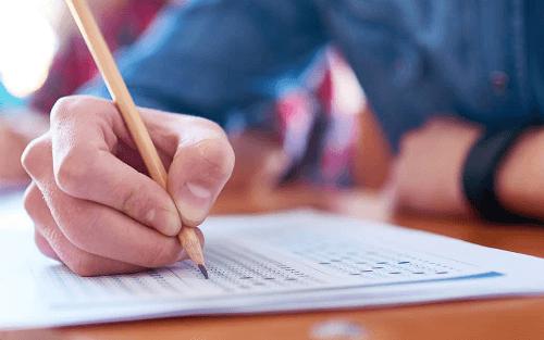 Concursos e seleções abrem editais em SC com salários de até R$ 9 mil