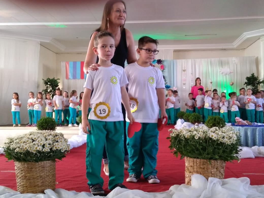 Cemeg de São José do Cedro escolhe o Casal Girassol