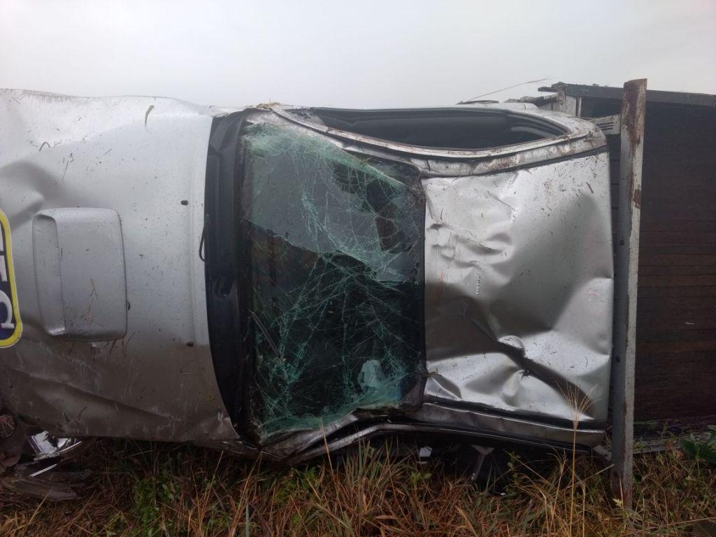 Dois ficam feridos em capotamento na SC 160