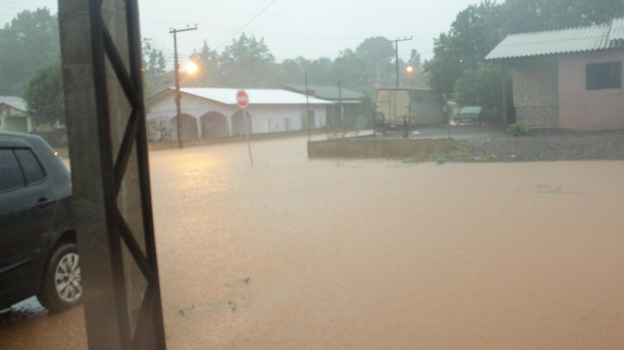 Prefeitura de Dionísio Cerqueira decreta situação de emergência devido as chuvas