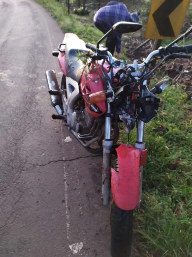 Motociclista sofre ferimentos graves em saída de pista na SC 283