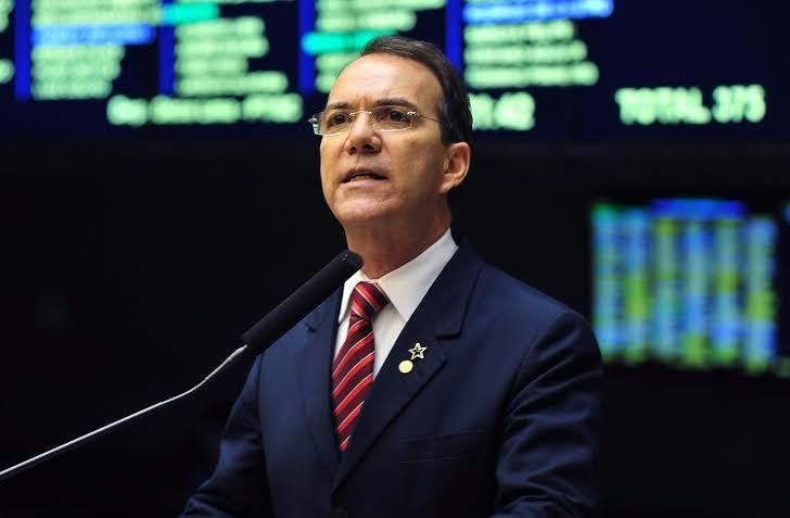 Décio Lima e Pedro Uczai incluem Lula em seus nomes