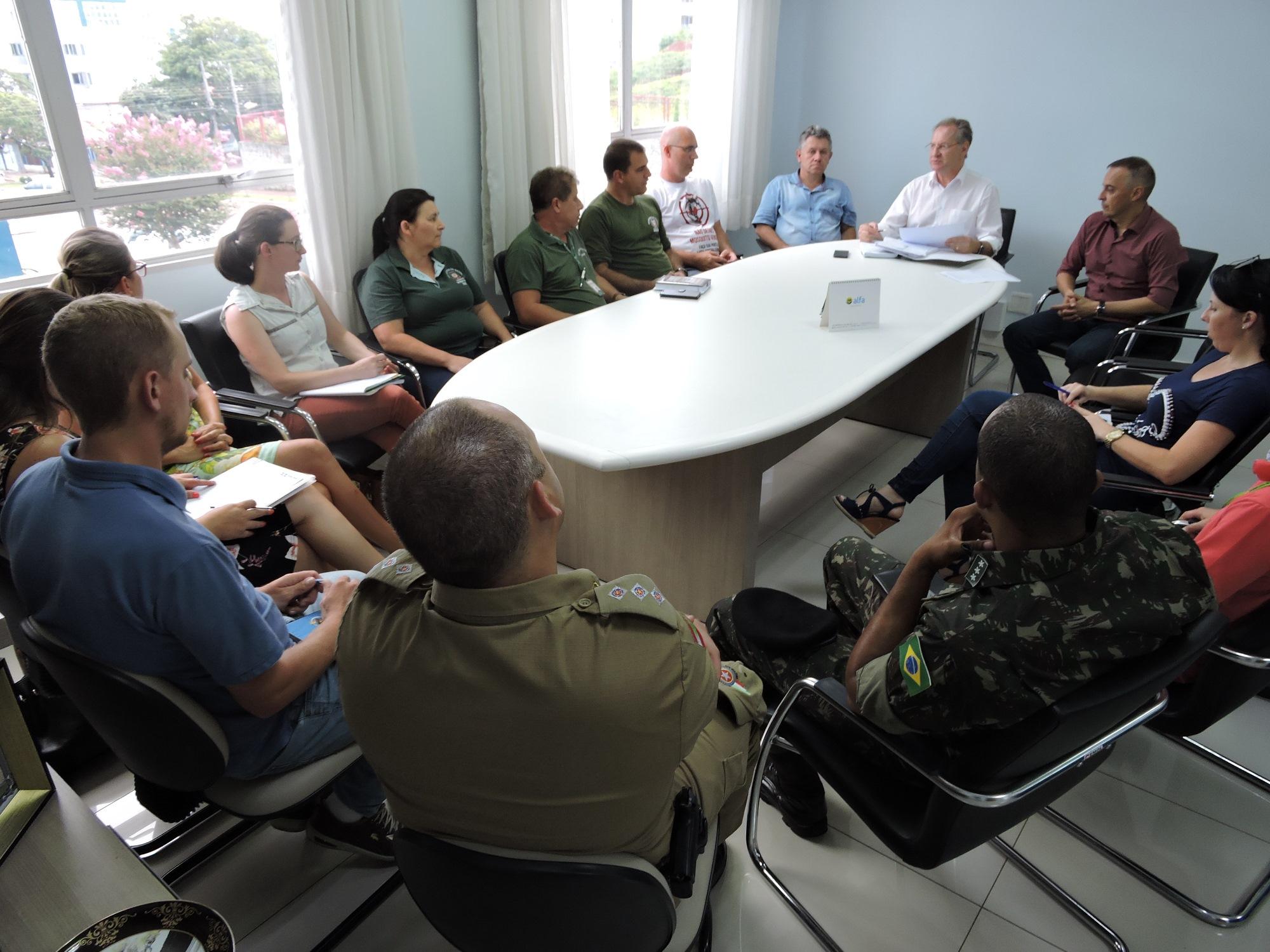 Decreto autoriza entrada de agentes da dengue em imóveis