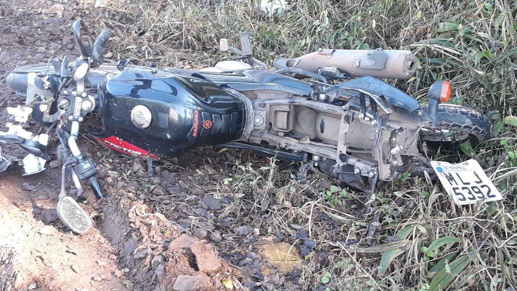 Motociclista fica ferido em grave acidente na BR-282
