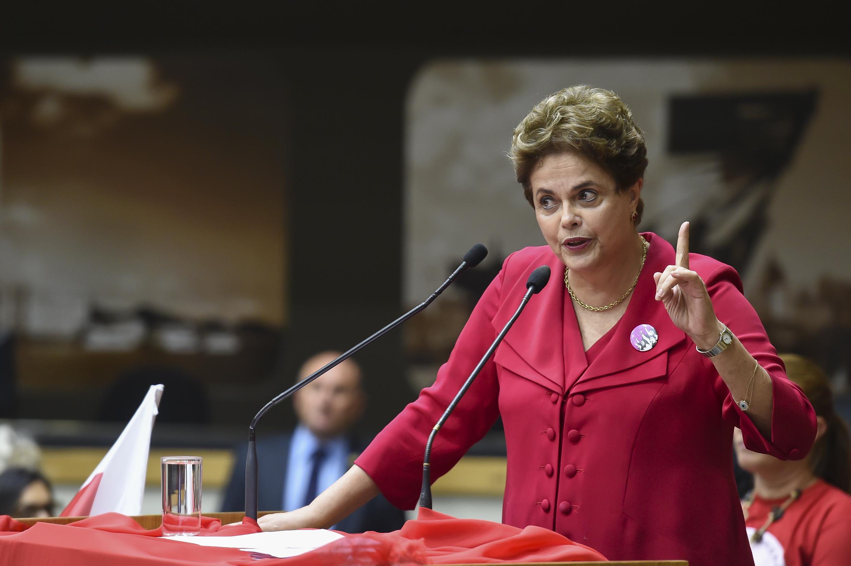 Dilma fará palestras nos EUA e na Espanha para denunciar perseguição a Lula