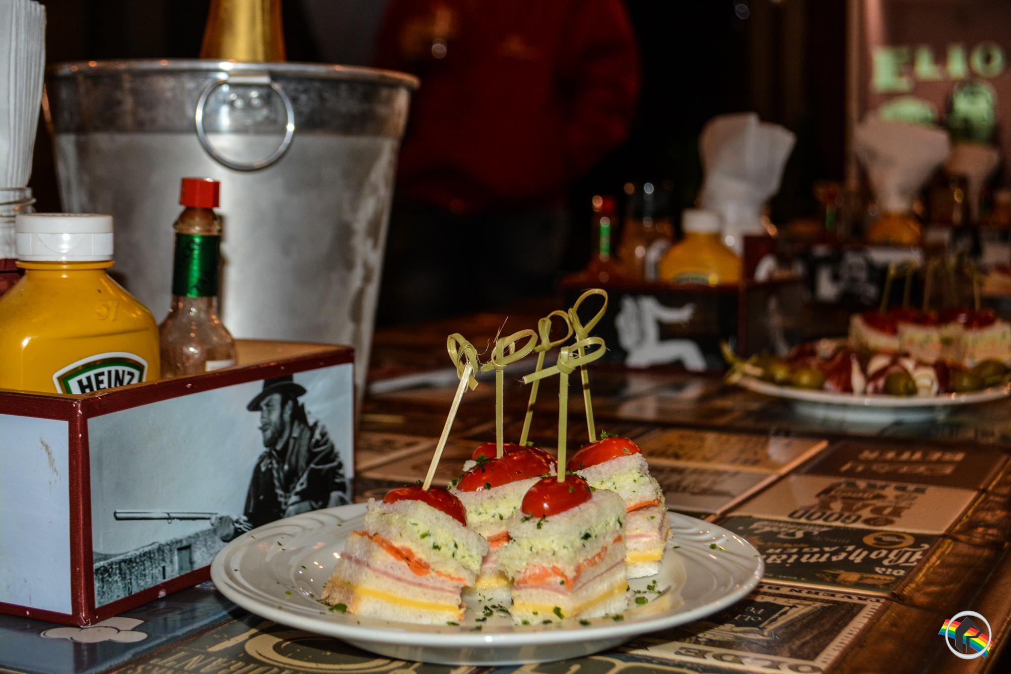 Revista SOS Saúde realiza Happy Hour para clientes