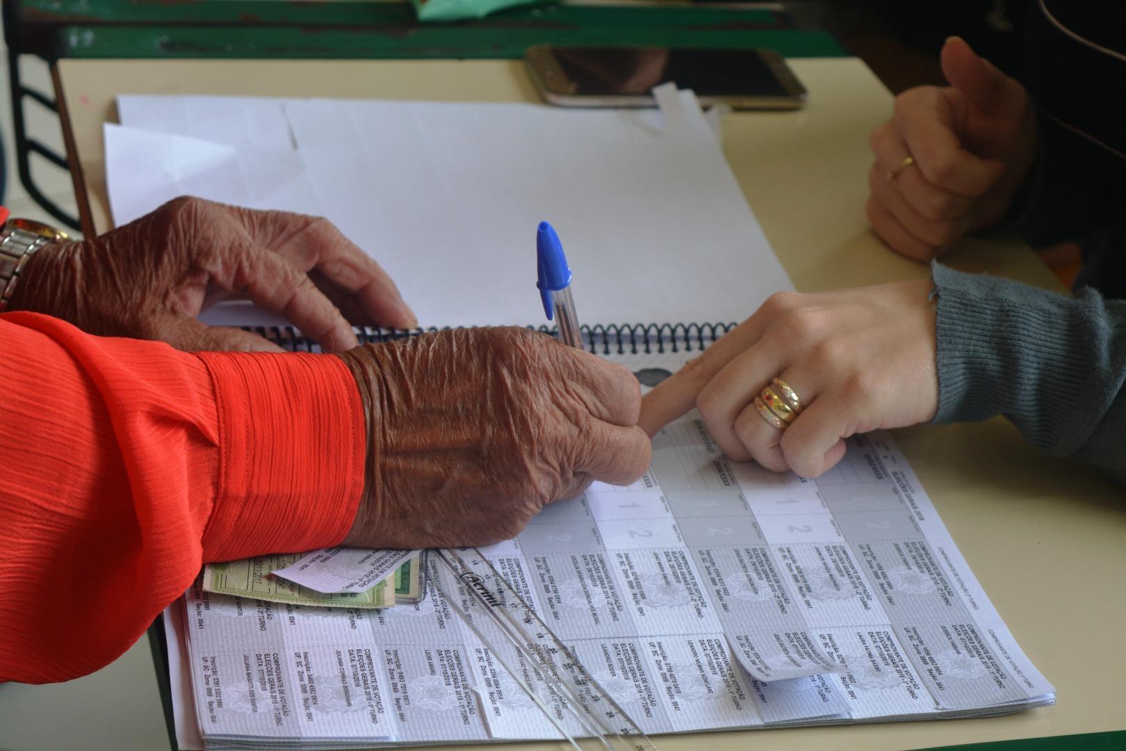 Urnas não apresentam problemas durante a votação