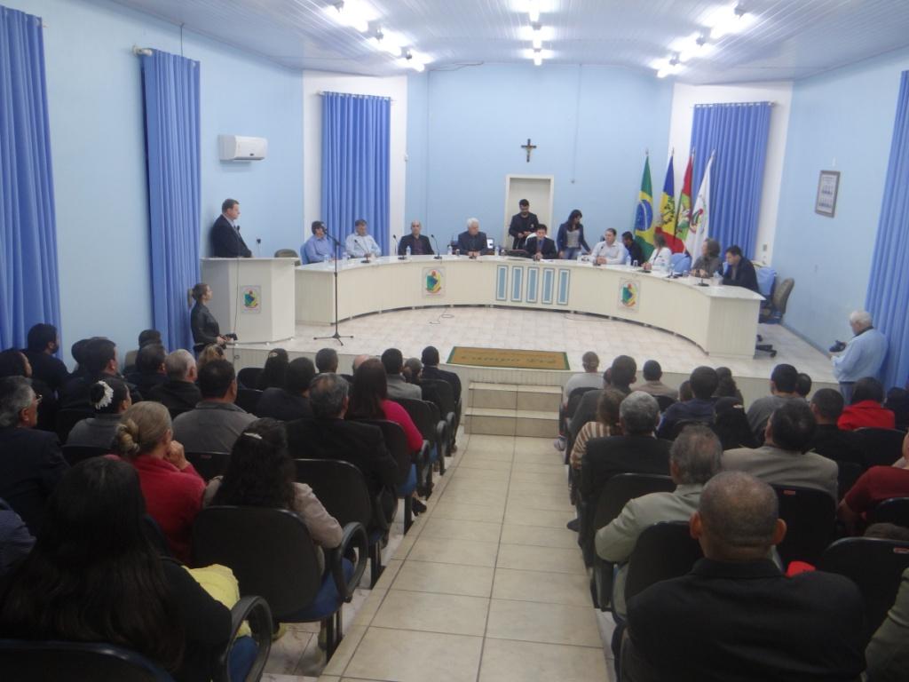 Sessão solene homenageia pastores evangélicos do município