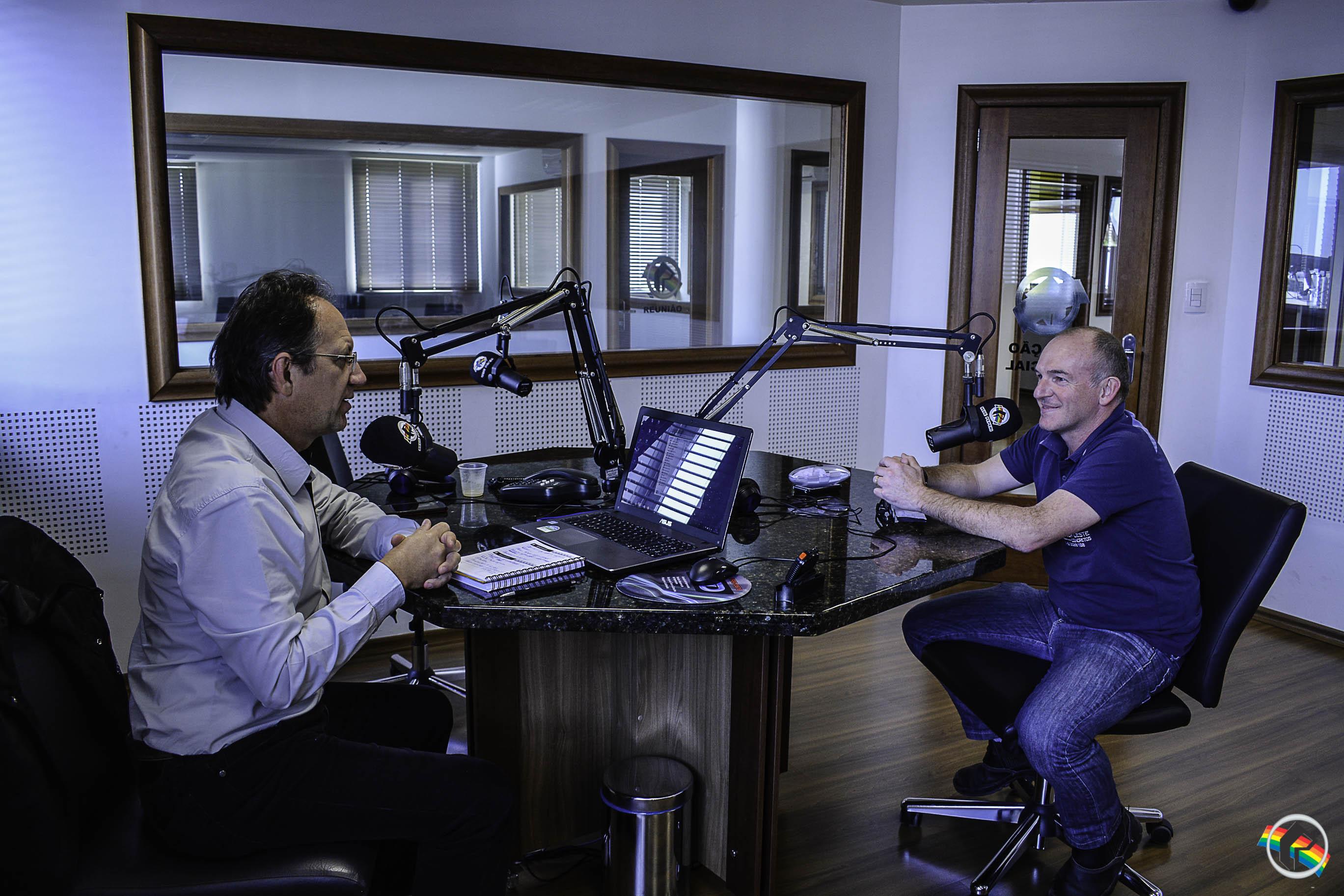 Engenheiro Civil e Arquiteto Decarter Gaspodini participa do Mão à Obra