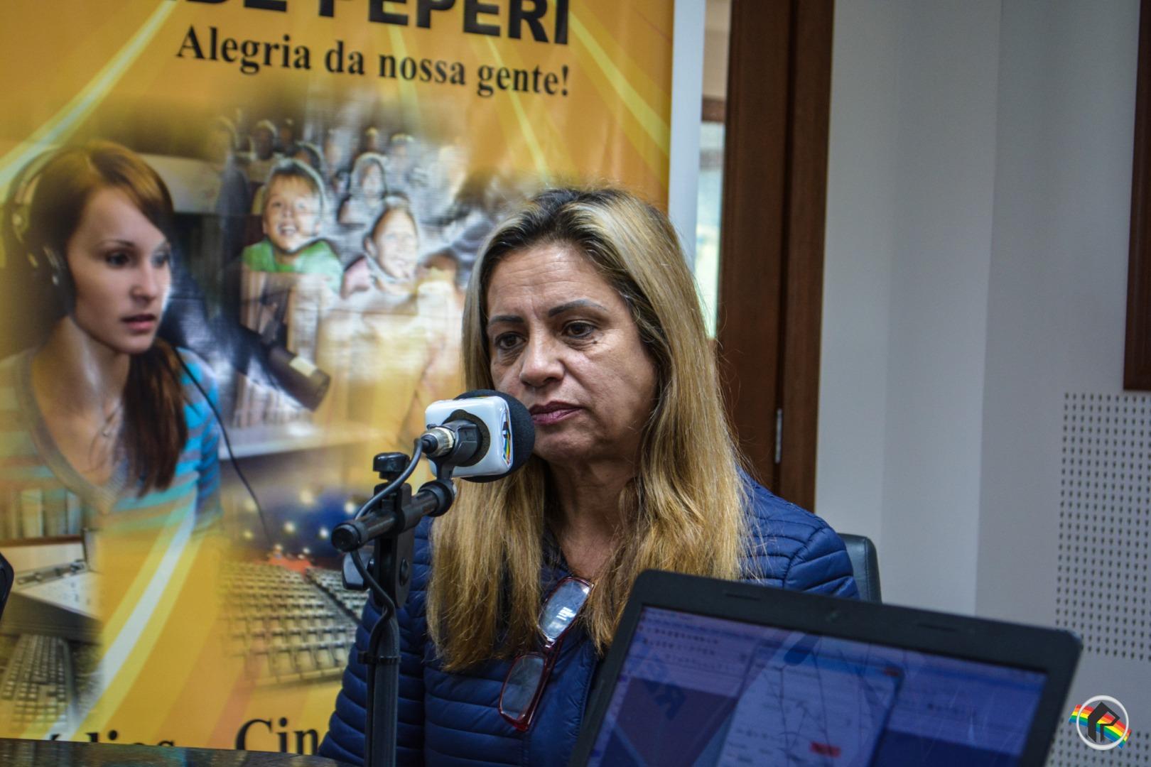 Emocionada, moradora relembra temporal que atingiu São Miguel do Oeste