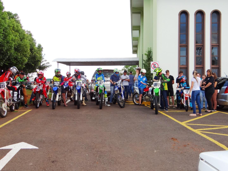 Piloto de Motocross e empresário de Iporã do Oeste é homenageado por familiares e amigos