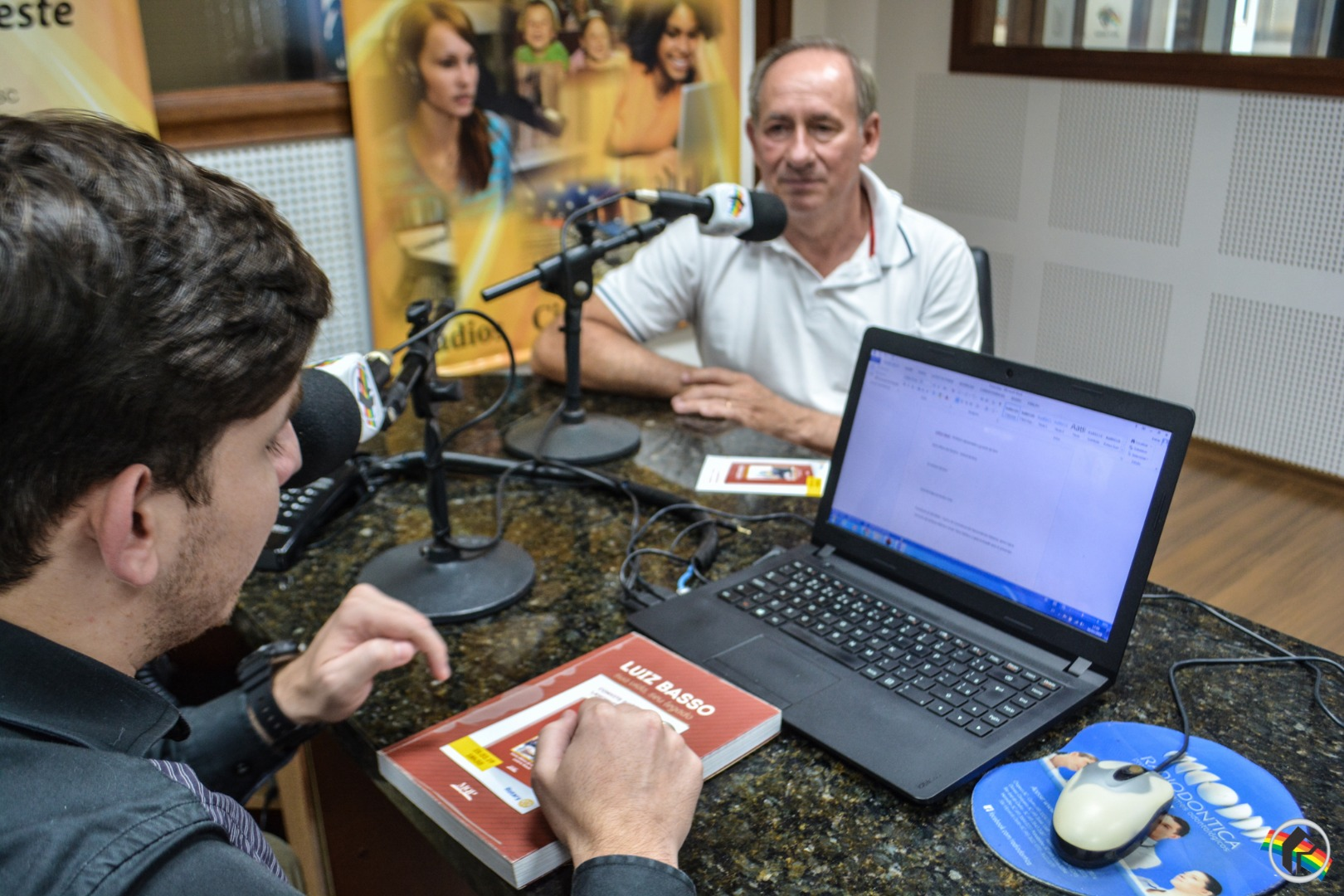OUÇA; Livro sobre ex-prefeito será lançado na próxima semana